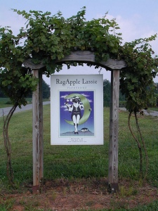 ragapple lassie sign